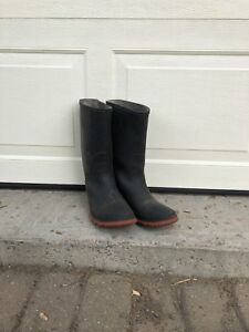Boots for planter