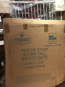 Regalo Top of stair extra tall safety gate