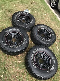"""Sunraysia wheels with 31"""" mud tyres"""