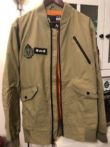 ***BURTON X UNDEFEATED X ALPHA INDUSTRIES JACKET SIZE M***