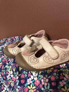 Stride rite 5.5M toddler shoes