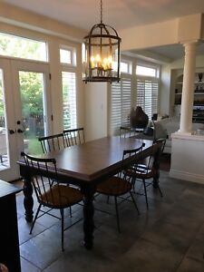 Kitchen table/sideboard