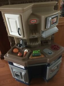 Little Tikes Toy Kitchen