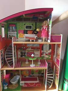 Maison de Barbie - Barbie house