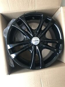 "BRAND new Touren tr22 gloss black 5x114.3 5x4.5 16"" $460 FIRM"