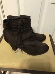 Ladies size 9 boots