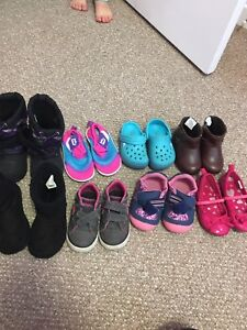 Lot of toddler shoes size 5/6