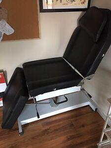 Massage table/chair combo $600 OBO 1 yr old