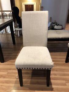 4 chaises et 1 banc