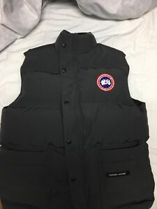 "Canada Goose Mens Freestyle Vest Small ""Graphite"""