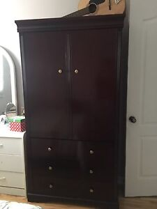 Bedroom 5 piece set cherry/mahogany color