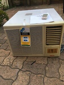 Akai 3.6KW Cooling only window Aircon Mount Druitt Blacktown Area Preview