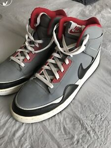 NIKE MID top shoes ( size 12)
