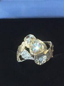 Magnifique bague à diamant à vendre 750$