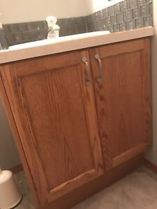 Bathroom cabinet/Sink for sale