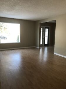 Two weeks free rent !! Two story home for rent in Vegreville