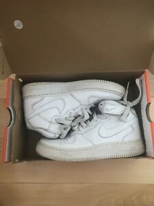 Nike blanches