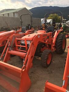 2009 kubota L3400 tractor with loader