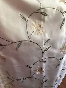 Curtains Beige/cream with flowers and green vines