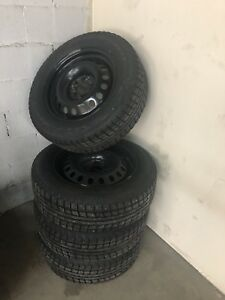 225 65 17 4 winter tires With Rim