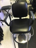 Used universal hydraulic styling chair