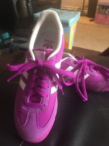 3.5 girls sneakers new