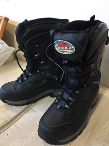 Ladies snowmobile boots