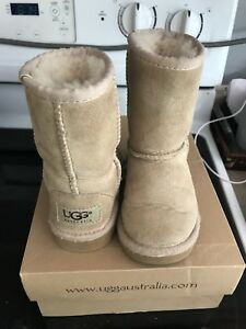 Kids uggs size 8