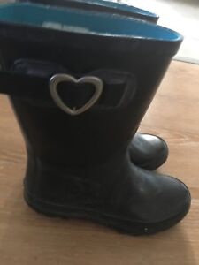 Rain boots size 1 youth. AVAILABLE