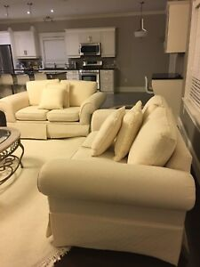 Elegant Set Of 2 White Love Seats