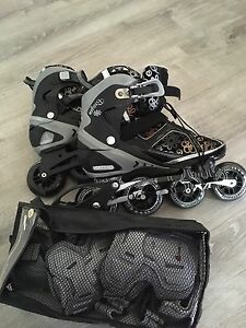 Women's Roller blades with pads