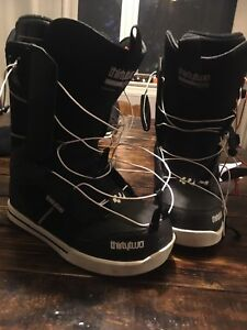 Thirty Two size 9 snowboard boots