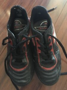 Didora indoor soccer shoes size 2