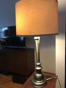 New Good Quality Table Lamp