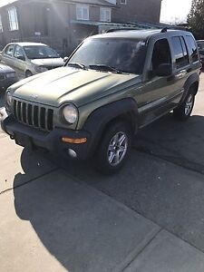 2005 Jeep Liberty 4 X 4 ( Safety & E-Tested)