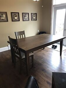 7 PIECE WHITE OAK DINING TABLE