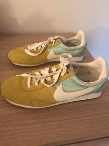 Nike NEW!