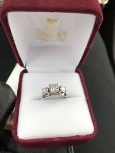 Gorgeous 1.08ct Engagement Ring
