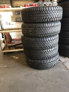 5 BRAND NEW Jeep Tires $600