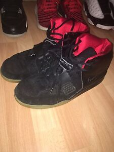 Non-authentic Nike air yeezy 2 blink size 10