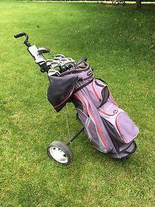 Ensemble de golf droitier complet(sac, bâtons, chariot, balles)