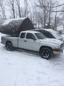 04 Dodge Dakota - 5 Speed