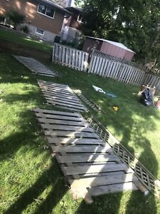 6 FENCE PANELS WITH LATTICE $150