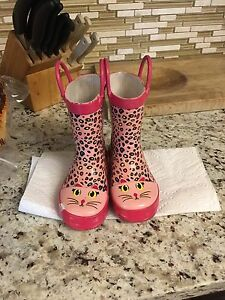 Toddler size 7 rain boots