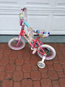 Girl's Bike (training wheels)