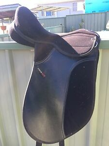 Dressage Saddle Killarney Vale Wyong Area Preview