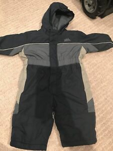 Old Navy Snow Suit 6-12 months
