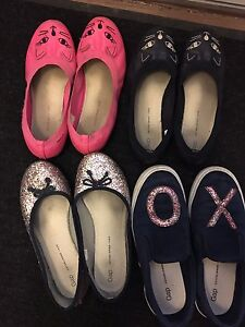 Size 4 girl shoes