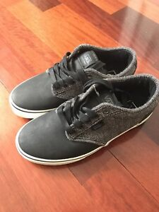 Vans Shoes- size 7 brand new in box