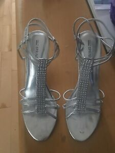 shoes size 9 worn 2 times, great shape perfect for Grad/weddings